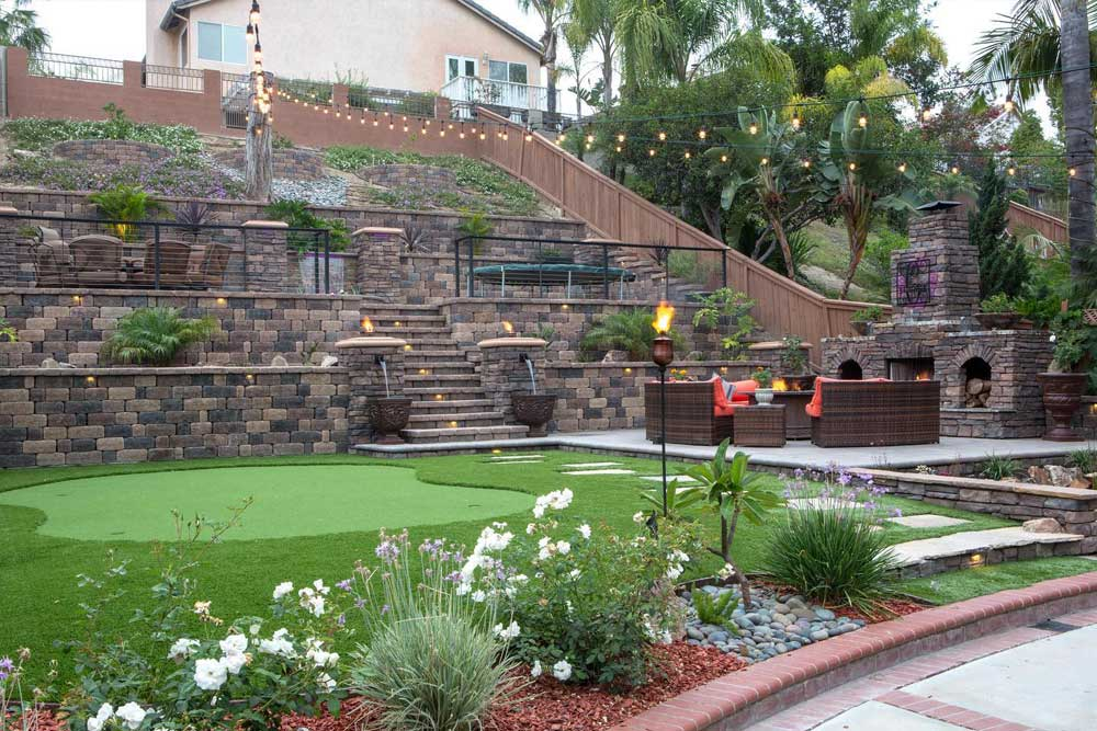 Backyard Hardscape Retaining Wall Blocks
